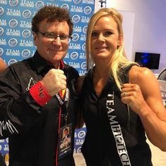 Olympia expo a zoo!! Tons of the gang. UFC Champ Holly Holm former Mr Olympias strong men competitors and many other industry stars.  Tonite Olympia Finals. #drrobertgoldman #strongman #strongwomen #bodybuilding #fitness #strength #ifbb #internationalsportshalloffame #mrolympia #action #arnoldsportsfestival #a4m