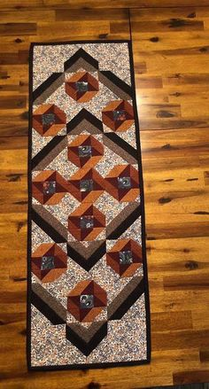 Patchwork Table Runner, Quilted Table Runners, Quilting Patterns, Quilting Ideas, Quilt Blocks, Minis, Quilts, Sewing, My Style