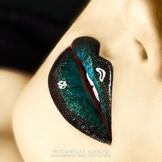 Emerald and black gloss lips