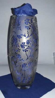 Etched Glass/vase/ottoman carnation/gold glass paint