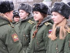 Beautiful female army soldiers the army is a great career choice for women. Stunning Army Women With & Without Uniform Looking Hot Female Army. Female Army Soldier, Israeli Female Soldiers, Idf Women, Military Women, Hot Brazilian Women, 3d Foto, Swedish Women, Military Girl, Warrior Girl