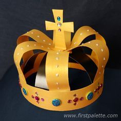 Recreate the majesty of the kings and queens of medieval Europe with this wearable crown craft made out of strips of construction paper. Vbs Crafts, Bible Crafts, Camping Crafts, Fun Crafts For Kids, Diy For Kids, Crafts To Make, Arts And Crafts, Make A Crown, Crown For Kids