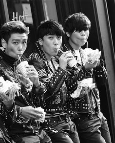 Top Seungri Daesung. Ok. This has got to be one of the greatest pictures EVER. like EVER! :D