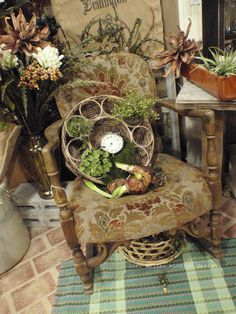 Lori Miller's Round Barn Potting Company: Let the sun shine Vintage Store Displays, Cottage Style Decor, Sun Shine, Grapevine Wreath, Grape Vines, Barn, Let It Be, Booth Ideas, Display Ideas