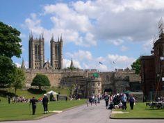 Lincoln Castle - Henry & Elizabeth Tudor I would love to visit!