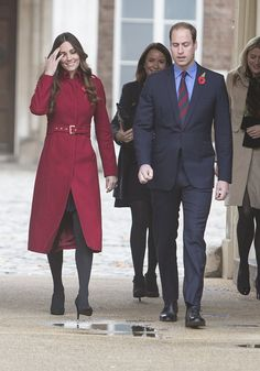 Kate Middleton recycled her trusty red LK Bennett coat for the Royal British Legion Poppy Appeal with Prince William [Rex] Style Kate Middleton, Kate Middleton Dress, Prince William Et Kate, Kate Middleton Prince William, Duchess Kate, Duke And Duchess, Royal British Legion, British Royal Families, Coat