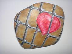 Srdce za plotem ...interesting rock art...