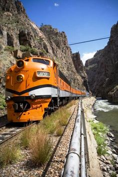 Trem da Royal Gorge na Estrada de Ferro Cog em  Cripple Creek  (Colorado Springs)