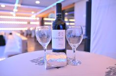 White Wine, Alcoholic Drinks, Weddings, Glass, Alcoholic Beverages, Drinkware, Mariage, White Wines, Wedding