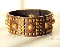 Retro Style Rust Heavy Metal Bronze Rivet Bank Punk Rock Hard Rock Cuff Natural Brown Leather Wrap Metal Buckle Button wrist bracelet R-1