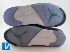 cheap for discount 6f92c d0ec2 New Nike Jordan have a distinctive sole pattern with the Jumpman logo, always  make sure they are high quality and not worn out if the shoes are new.