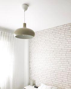 Poco a poco vamos terminando habitaciones. En cuanto vi esta lámpara en @ikeaspain supe que era perfecta para nuestro dormitorio 💕 ¿Conseguiremos decir que ya hemos terminado algún día? . #mirinconikea #ikea #decoracion #decoraciondeinteriores #nordichome #nordicstyle #nordic #decoracionnordica #arquitectura #papelpintado #blanco #white #blackandwhite #decowhite #myhome #home #micasa #homeinspo #bedroomdecor #bedroom Ikea, Wall Lights, Lighting, Home Decor, Painted Bricks, White Bricks, Nordic Style, Tiny Houses, Yurts