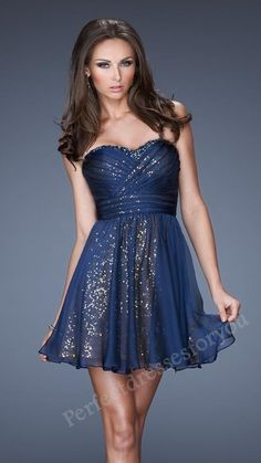 Reminds me as the tardis. This would totally work with bryn's bow tie