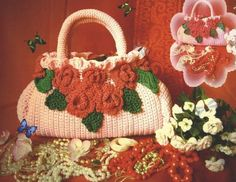 Crochet purse with flowers: charts