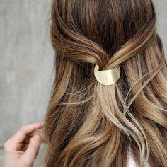 Diese Haarspange steht ganz oben auf meiner Wunschliste! Und diese wunderschönen Holzlöffel auch. Wie wär's mit einem einfachen DIY fürs Wochenende? Und nach dem basteln gibt es Zimtschnecken! Das …