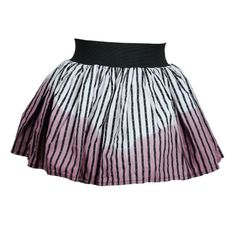 This gorgeous alternative, full skirt has the directional,Pretty Disturbia skater skirt shape and is made from an gordeous red tartan that gives this skirt a cute punk feel. Britain's Next Top Model, Alternative Clothing Brand, Mini Skater Skirt, Dip Dye, Tartan, Looks Great, Life Care, 30 Degrees, Celebrities