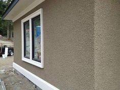 Home Design Ideas and Inspiration for your Home - Maramani.com Exterior Stairs, Stucco Exterior, Wall Exterior, Exterior Remodel, Exterior Cladding, Stucco House Colors, Exterior Paint Colors For House, Stucco Paint, Stucco Walls