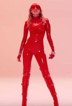 """Miley Cyrus's Music Video For """"Mother's Daughter"""" Celebrates the Joy of Being Di. - Miley Cyrus's Music Video For """"Mother's Daughter"""" Celebrates the Joy of Being Different - Miley Cyrus Costume, Miley Cyrus Style, Miley Cyrus Body, Leder Outfits, Provocateur, Latex Fashion, Models, Celebrity Photos, Lady"""