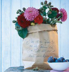 Papiertüte als poetische Deko - Herbst-Deko mit Zutaten aus der Küche 7