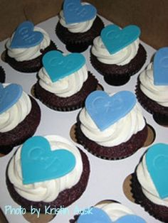 wedding cupcakes with blue hearts