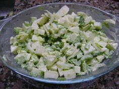 Fabulosa receta para Ensalada de apio y manzana verde. Fácil, rápida y muy sabrosa !!!