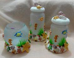 Pote de vidro jateado decorado em biscuit R$ 98,00