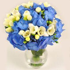 Buchet de mireasa/nasa doar la 123flori Nasa, Fruit, Birthday, Flowers, Birthdays, Royal Icing Flowers, Flower, Dirt Bike Birthday, Florals