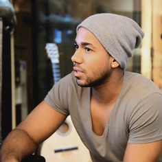 Romeo Santos,@Blanche Devereaux  your BF..  how many times do you have to run into him and have him recognize you?!..