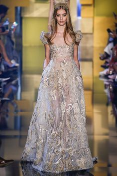 Elie Saab - Fall 2015 Couture - Look 5 of 58?url=http://www.style.com/slideshows/fashion-shows/fall-2015-couture/elie-saab/collection/5