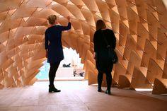 © Pekka Tynkkynen© Pekka Tynkkynen© Pekka Tynkkynen© Pekka Tynkkynen O Dragon Skin Pavilion (Pavilhão Pele de Dragão) é uma instalação de arte / ar...