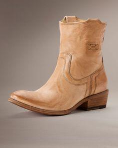 Frye Women's Carson Tab Short Boot - Beige