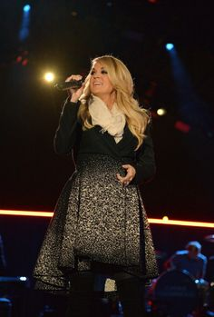 Carrie Singing SITW live! So sad I wasn't able to see it. Heard it was beautiful!!
