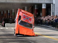 General Lee-wreck, this is how they really landed on the tv show. General Lee Car, Vintage Cars, Antique Cars, Dodge Muscle Cars, 1969 Dodge Charger, Us Cars, Drag Cars, Car Crash, American Muscle Cars