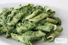 En media hora prepara pasta corta con salsa de acelgas con nuestra Mycook de Taurus. Receta sana e ideal para niños y personas con déficit de hierro.