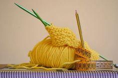 """Toma nota de todo tu proceso creativo al tejer y siempre toma medidas, 2 de las 10 cosas que deberías hacer si tejes, hoy en el blog """"Decálogo Knitter""""."""