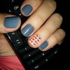 """Lovin' my new #jamicure ! #bluejeansjn #trunkshowjn #jamberrynails #nails""  arielmoore.jamberrynails.net"