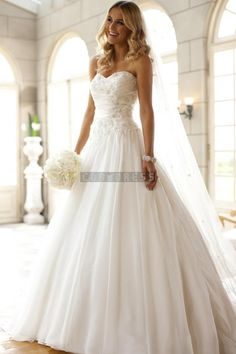 Sweetheart Ball Gown Applique Pleats Wedding Dress