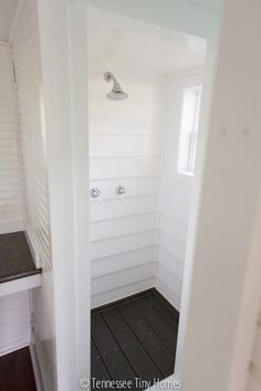 Is that vinyl siding and composite decking in this tiny home shower? hmmmmmm....