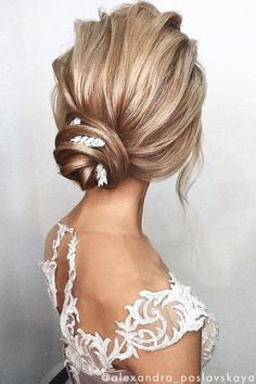 These 3 stunning updos are the perfect hairstyle for a wedding, prom, holidays or a special occasion. Retro Wedding Hair, Diy Wedding Hair, Elegant Wedding Hair, Wedding Hair And Makeup, Casual Wedding, Wedding Beauty, Elegant Hairstyles, Party Hairstyles, Latest Hairstyles