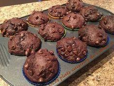 J'ai trouvé la perle rare de muffins au chocolat! C'est une petite bombe chocolatée! J'en ai testé beaucoup au chocolat mais celle-ci l'e... Muffin Recipes, Baking Recipes, Perle Rare, Cheesecake Cupcakes, Healthy Muffins, Sweet Breakfast, Bread Baking, Cupcake Cakes, Bakery