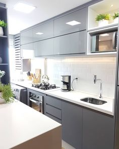 """Apartamento904 on Instagram: """"Cozinha cor cinza com Pedra Branca. Quem mais gosta dessa combinação?  A cor é Cinza Sagrado e Cinza Sagrado Cristallo.…"""" Home Office, Kitchen Cabinets, Sweet Home, House, Home Decor, Blog, White Cabinet Kitchen, Wardrobes, Houses"""