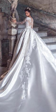 wedding dresses 2018 ball gown with long sleeves luxury lorenzorossi ? wedding dresses 2018 ball gown with long sleeves luxury lorenzorossi ? Amazing Wedding Dress, Wedding Dresses 2018, Bridal Dresses, Gown Wedding, Wedding Ceremony, Ball Dresses, Ball Gowns, Custom Dresses, Beautiful Gowns