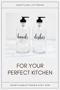 These clear glass hand and dish soap dispensers are perfect for your kitchen! The custom labels make sure your kitchen counter is looking beautiful and organized. Kitchen Soap Dispenser Ideas - Refillable Dish Soap Bottles for Kitchen Sink - Modern Farmhouse Kitchen Sink Decor - Kitchen Update Ideas - Kitchen Sink Soap Organization Kitchen Sink Decor, Modern Kitchen Sinks, Farmhouse Sink Kitchen, Modern Farmhouse Kitchens, Farmhouse Decor, Kitchen Soap Dispenser, Soap Dispensers, Organized Kitchen, Updated Kitchen