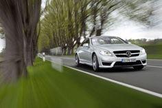 Mercedes Benz CL 63 AMG - Mercedes-Benz S 63 AMG und der CL 63 AMG profitieren von einem völlig neu entwickelten Antriebsstrang. Der AMG 5,5-Liter-V8-Biturbomotor mit einer Höchstleistung von bis zu 420 kW – umgerechnet sind das sagenhafte knallharte 571 PS die hier in den Asphalt krallen.  Read more: http://www.geniales-tuning.de/mercedes-benz-s-63-amg-und-cl-63-amg.html#ixzz2k2Q0XZuH Follow us: @Martin Enzenhoefer on Twitter | genialestuning on Facebook