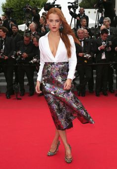 Cannes 2014 - Riley Keough in Valentino, chaussures Miu Miu - Day 6 (montée des marches Foxcatcher)