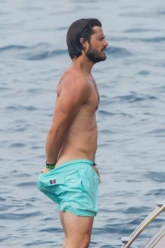 Prince Carl Philip Of Sweden Is The Hottest Royal Ever Diana Spencer, Prinz Carl Philip, Handsome Prince, Swedish Royals, Hommes Sexy, Raining Men, Hottest Pic, Good Looking Men, Bearded Men