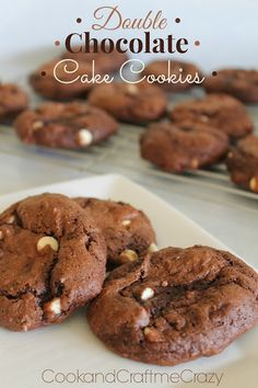 Double Chocolate Cake Cookies made from a cake mix and only 5 ingredients! YUMMM! Make these for your Christmas cookie exchange!  http://cookandcraftmecrazy.blogspot.com/2013/12/double-chocolate-cake-cookies.html