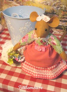 Tittlemouse    Handcrafted mouse doll