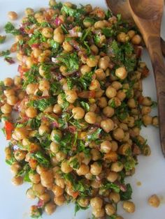 A Seasonal Cook in Turkey: A Variation on Traditional Bean Piyaz, This Time with Chickpeas: Nohut Piyazı Easy Healthy Dinners, Healthy Salad Recipes, Diet Recipes, Healthy Snacks, Vegetarian Recipes, Healthy Eating, Cooking Recipes, Garbanzo Bean Recipes, Cooking Fish
