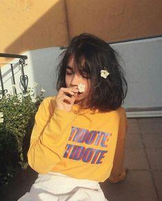 Ideas para fotos con tu cabello corto - fire away paris Korean Girl, Asian Girl, Mode Kawaii, Mode Grunge, Indie, Applis Photo, Foto Instagram, Tumblr Girls, Mellow Yellow